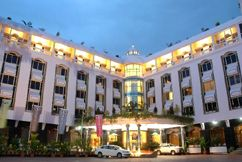 Hotel Sandesh The Prince - Mysore India