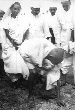 Dandi Yatra Sale, Gandhi - Viaggio sulle orme di Gandhi