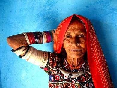 Donna - Bhuj, Gujarat, India - Viaggio Artigianato ed i parchi di Gujarat