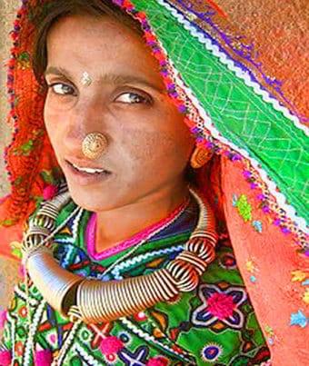 Donna tribale Gujarat, India - Viaggio Artigianato ed i parchi di Gujarat