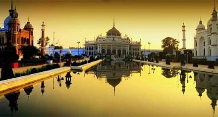 Lucknow, India - Viaggio per la festa Buddha Purnima