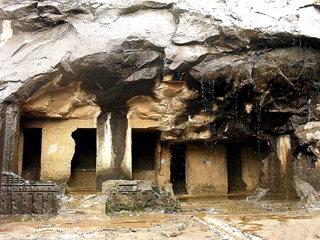 Grotte di Pandavlena - Viaggio tribale in Gujarat