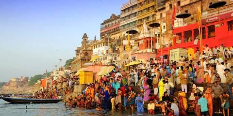 Varanasi, Viaggio di nozze in India
