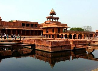 Informazioni Fatehpur Sikri ed i luoghi di interesse a Fatehpur Sikri